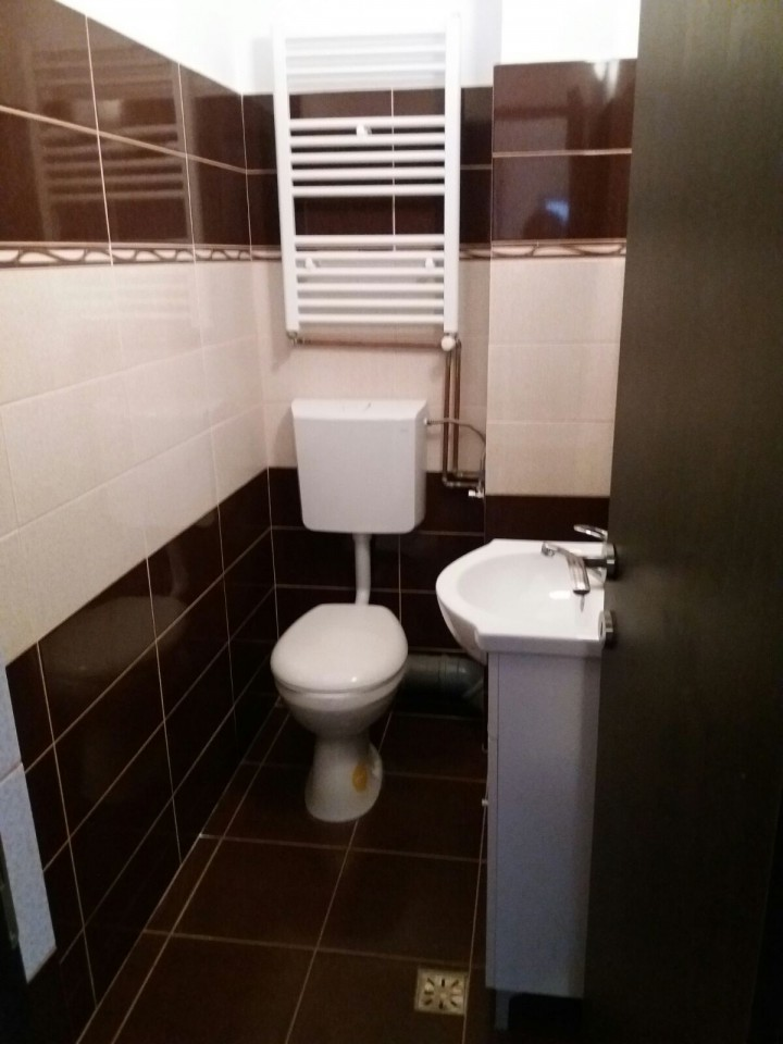 Spatiu birouri salon sau cabinet de inchiriat in Sibiu zona Cedonia-165-5