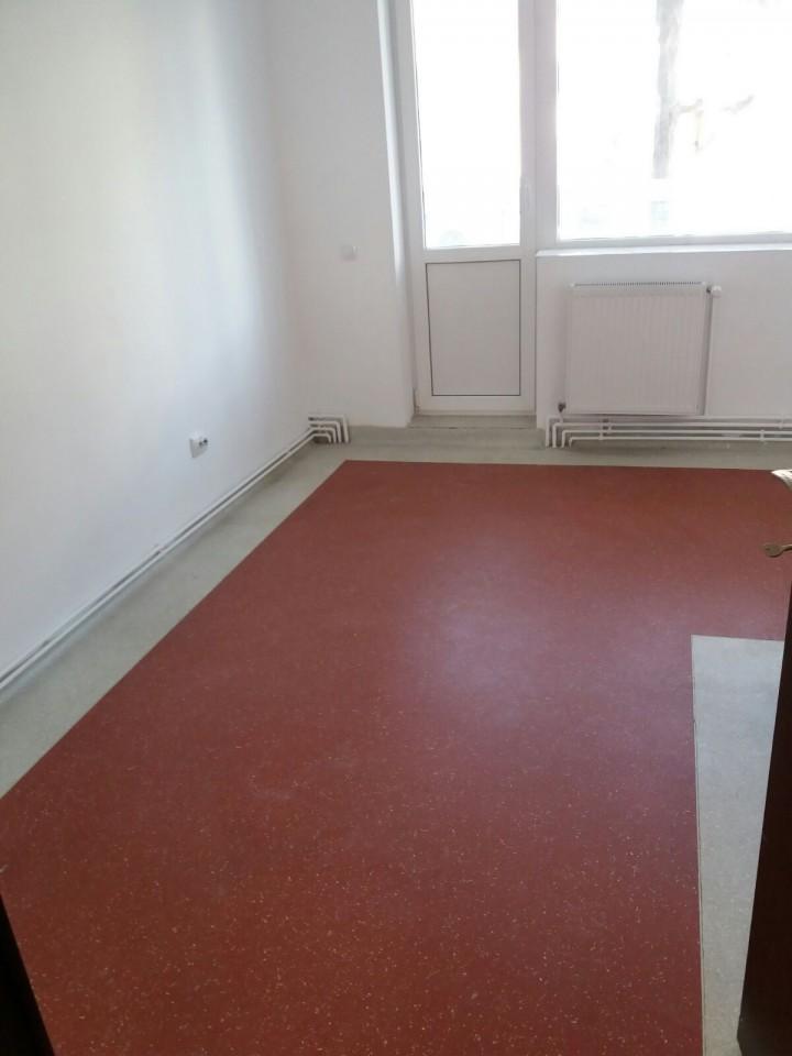 Spatiu birouri salon sau cabinet de inchiriat in Sibiu zona Cedonia-165-2