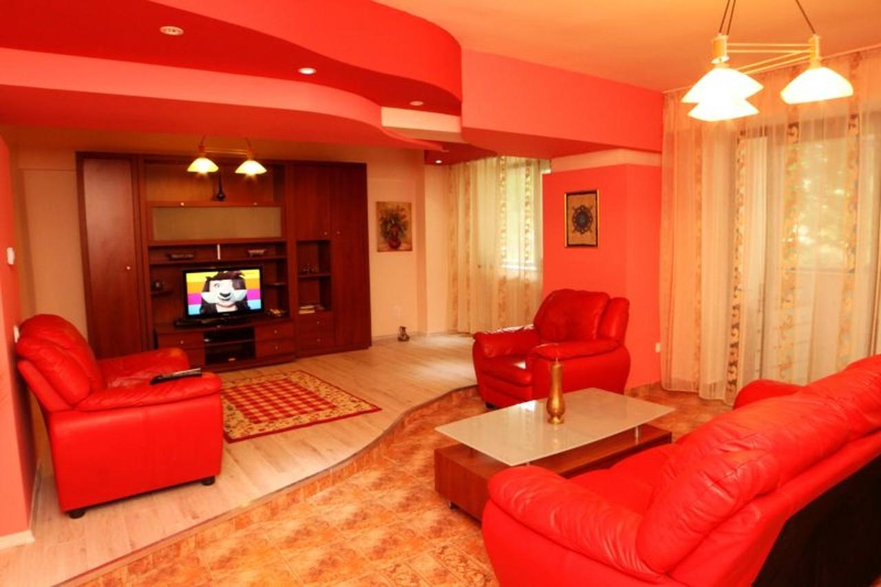 Apartament modern 3 camere de inchiriat in Sibiu strada Lunga-86-0