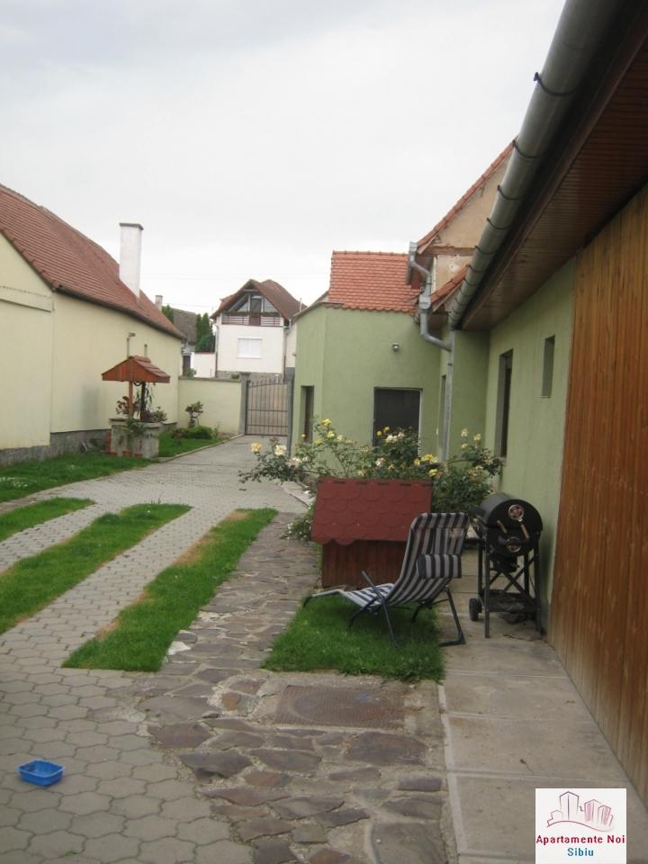 Casa renovata,cu gradina mare,de vanzare in Sibiu zona Turnisor-100-10