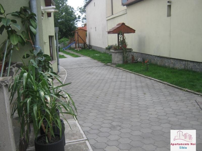 Casa renovata,cu gradina mare,de vanzare in Sibiu zona Turnisor-100-11