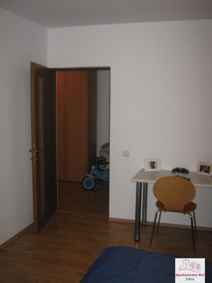 Apartament 3 camere,la vila,de vanzare in Sibiu,zona Turnisor-129-11
