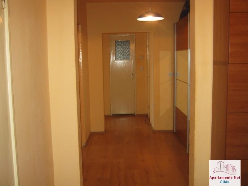 Apartament 3 camere,decomandat,de vanzare,in Sibiu,zona Hipodrom-115-1
