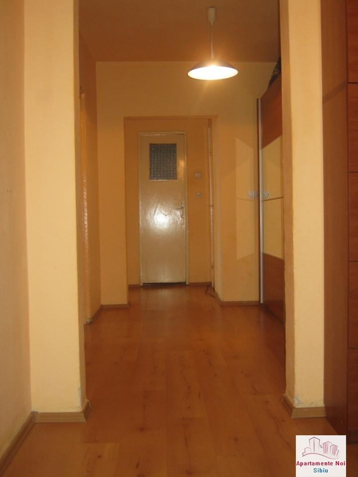 Apartament 3 camere,decomandat,de vanzare,in Sibiu,zona Hipodrom-115-2