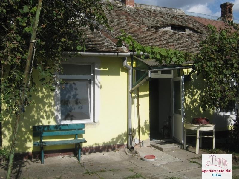 Apartament la casa,2 camere,de vanzare in Sibiu,zona P-ta Cluj-85-0