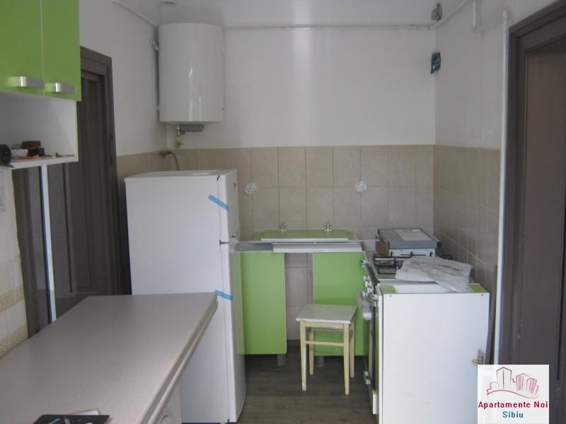 Apartament la casa,2 camere,de vanzare in Sibiu,zona P-ta Cluj-85-1