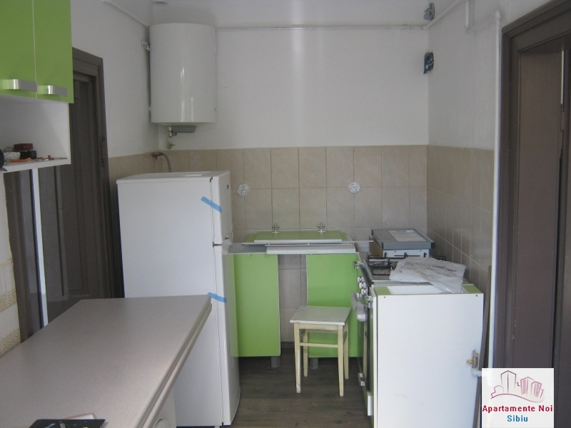 Apartament la casa,2 camere,de vanzare in Sibiu,zona P-ta Cluj-85-2