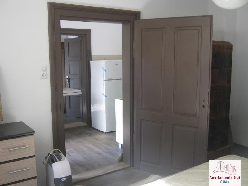 Apartament la casa,2 camere,de vanzare in Sibiu,zona P-ta Cluj-85-6
