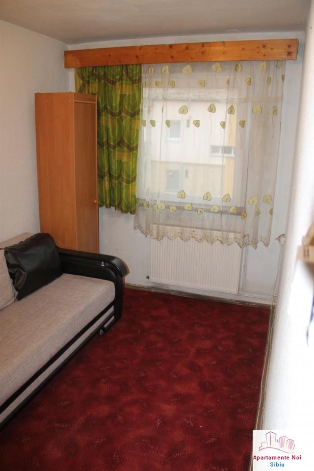 Garsoniera decomandata de vanzare in Sibiu, zona Vasile Aaron-140-2
