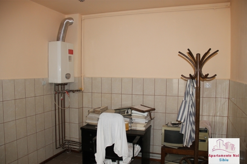 Casa singur in curte de vanzare in Sibiu, zona Terezian -95-9