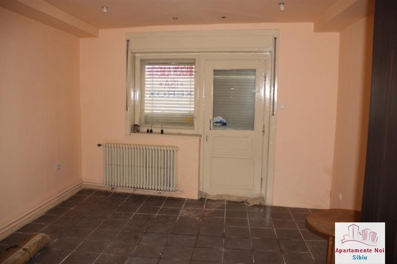 Casa singur in curte de vanzare in Sibiu, zona Terezian -95-13