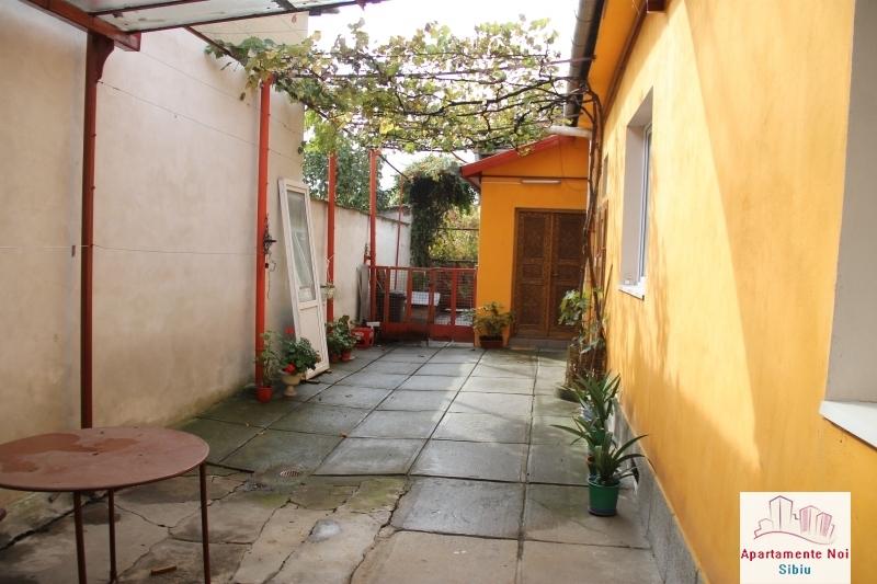 Casa singur in curte de vanzare in Sibiu, zona Terezian -95-15