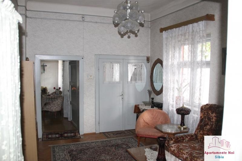 Casa singur in curte de vanzare in Sibiu, zona Terezian -95-2