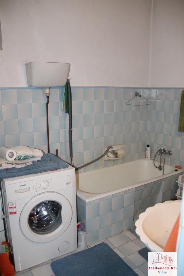 Casa singur in curte de vanzare in Sibiu, zona Terezian -95-6