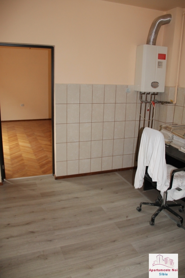 Casa singur in curte de vanzare in Sibiu, zona Terezian -95-8