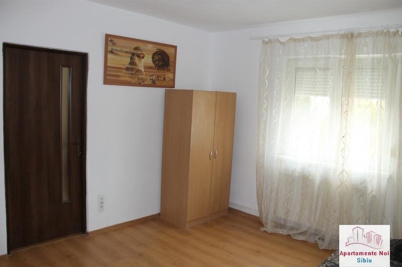 Apartament 2 camere de vanzare in Sibiu, zona Cedonia-72-0