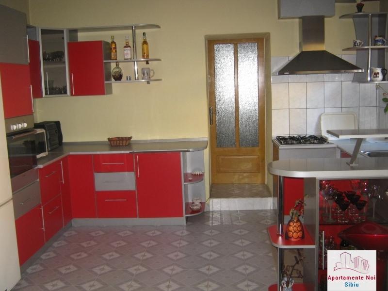 Casa mare,de vanzare,in Sibiu,zona V.Aaron-156-2