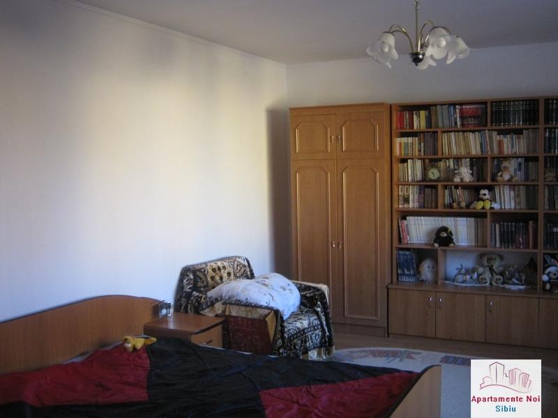 Casa mare,de vanzare,in Sibiu,zona V.Aaron-156-5