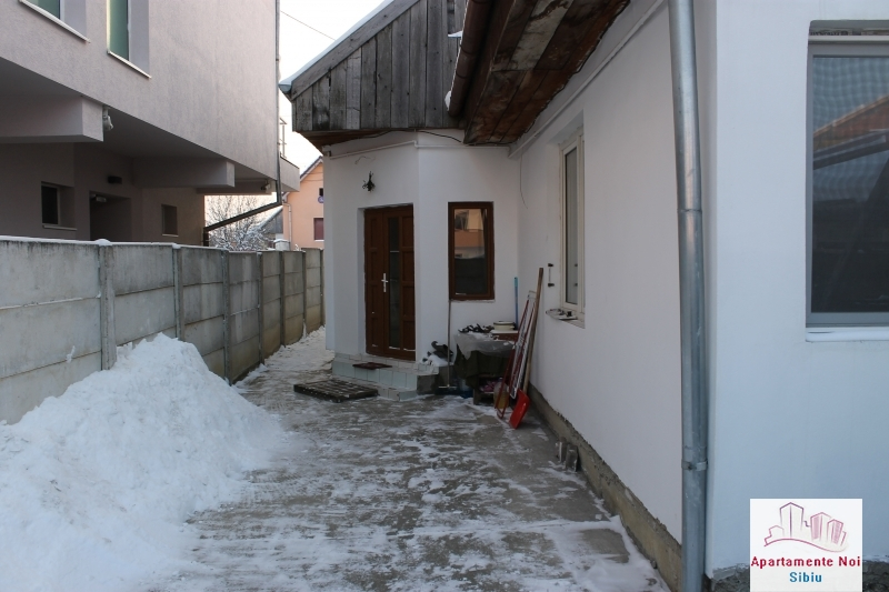 Casa singur in curte de vanzare in Sibiu, zona Selimbar-87-12