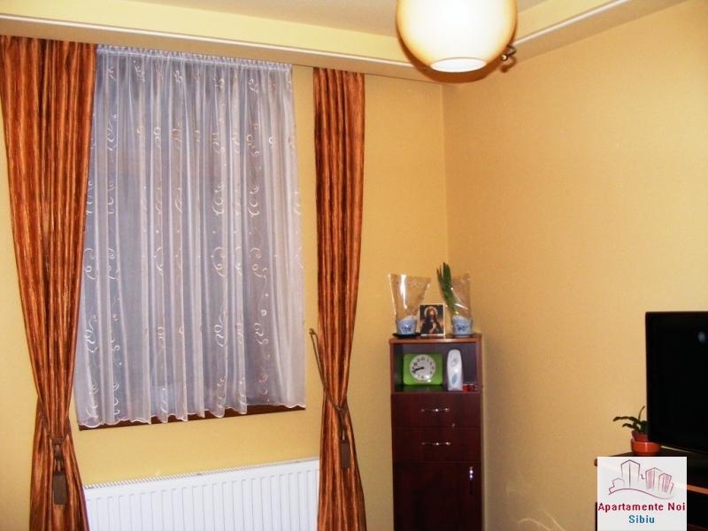 Apartament,la casa,2 camere,de vanzare,in Sibiu,zona Terezian-164-4
