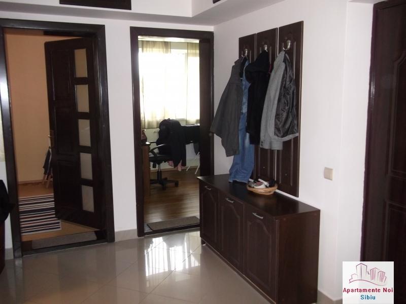Apartament 3 camere de inchiriat in Sibiu zona Alba Iulia -17-3
