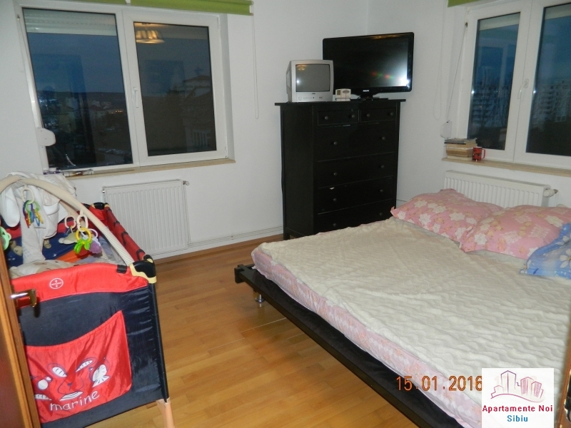 Apartament 3 camere vanzare zona Rahovei Sibiu mobilat si utilat-60-2