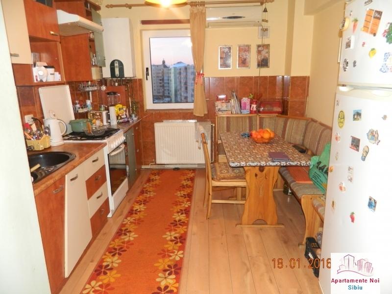 Apartament 2 camere de vanzare Sibiu zona Mihai Viteazu decomandat-49-0
