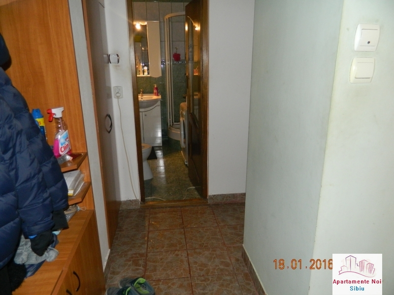 Apartament 2 camere de vanzare Sibiu zona Mihai Viteazu decomandat-49-5