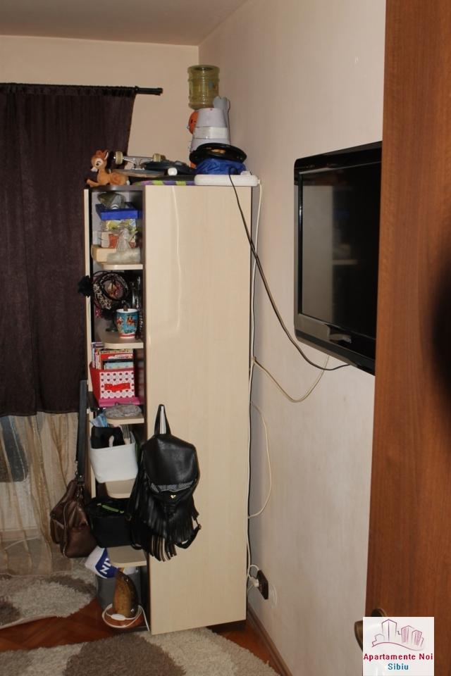 Apartament 3 camere decomandat de vanzare in Sibiu, zona Ciresica-64-9