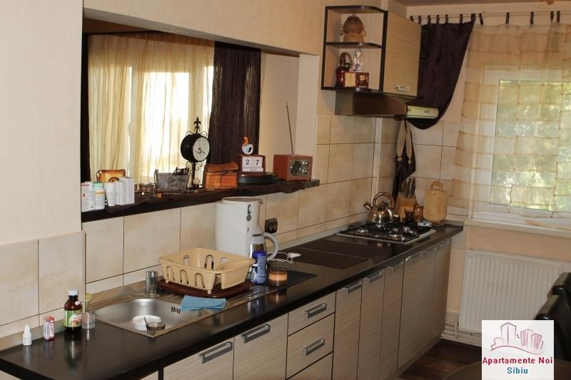 Apartament 3 camere decomandat de vanzare in Sibiu, zona Ciresica-64-12