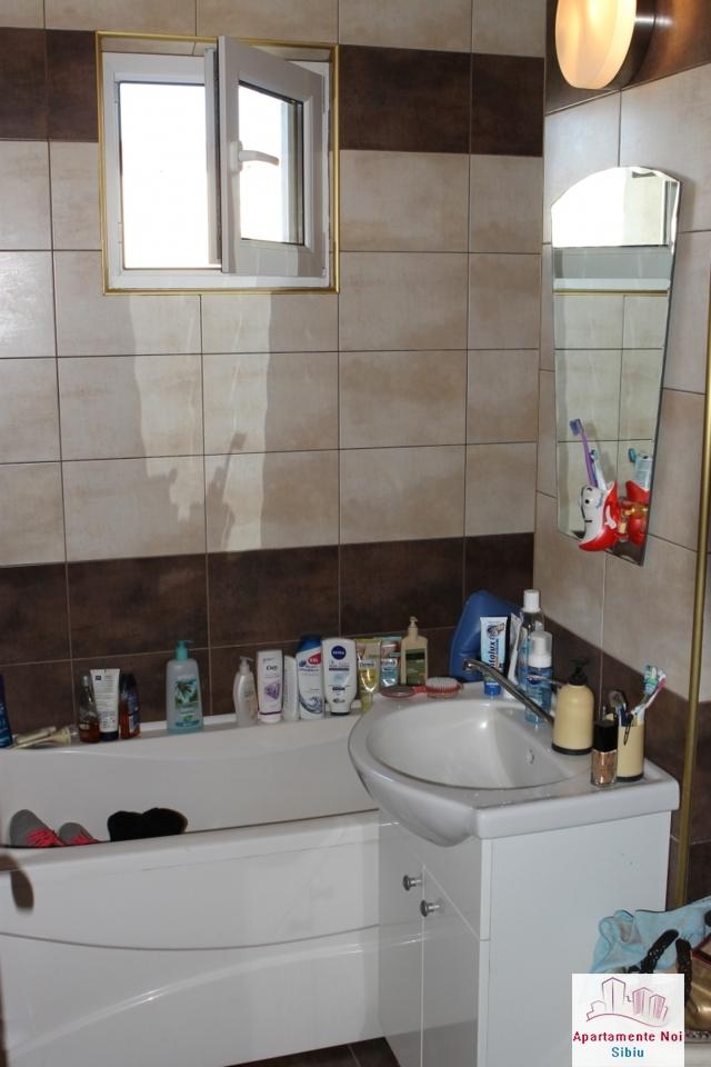 Apartament 3 camere decomandat de vanzare in Sibiu, zona Ciresica-64-6