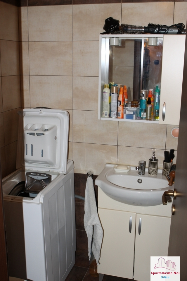 Apartament 3 camere decomandat de vanzare in Sibiu, zona Ciresica-64-8