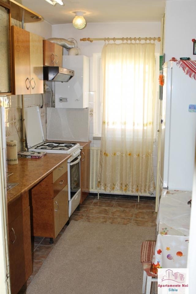Apartament 3 camere decomandat in Sibiu, zona Mihai Viteazu-76-4
