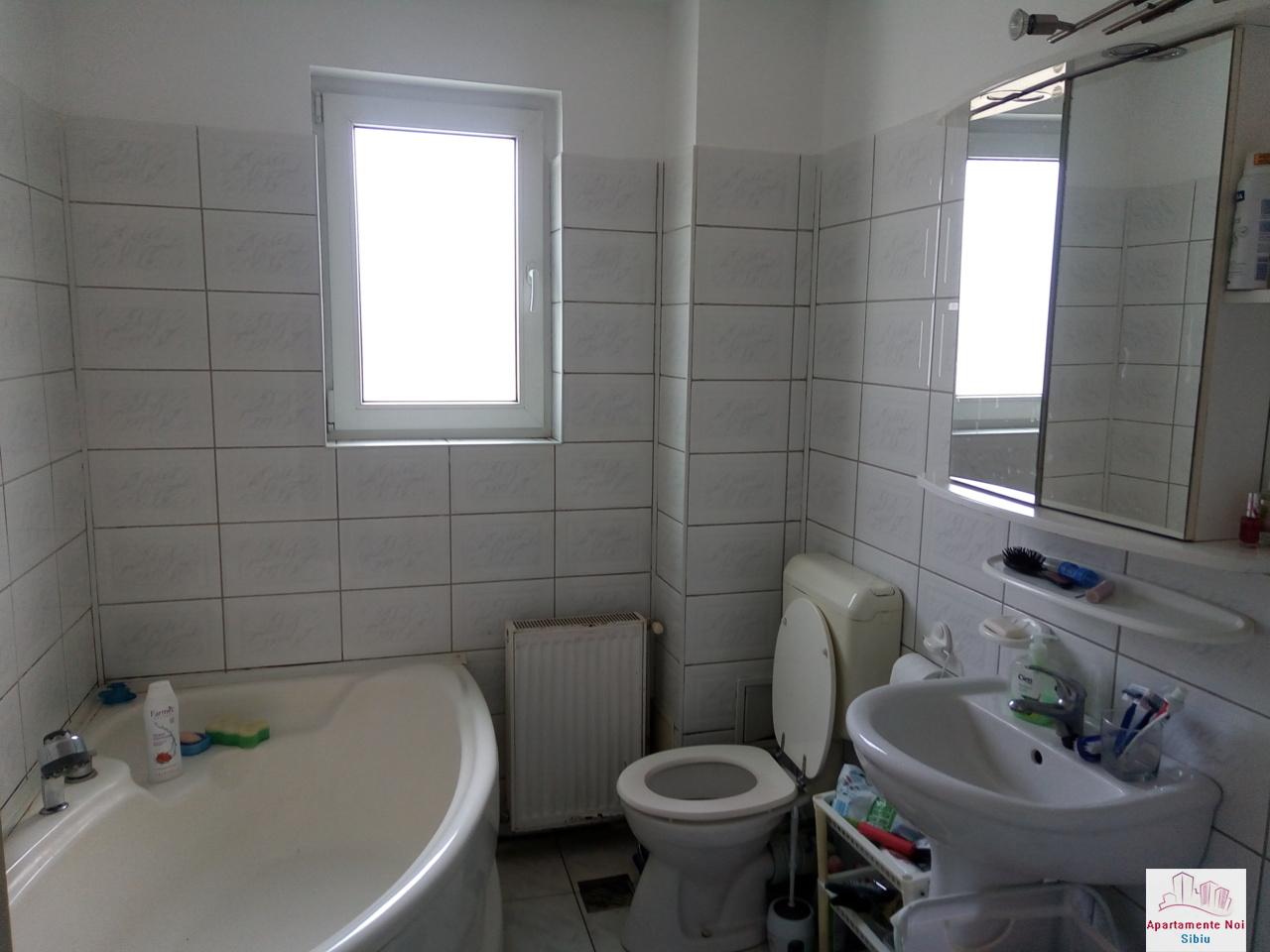Apartament 3 camere cu curte de vanzare in Sibiu zona Luptei-166-3