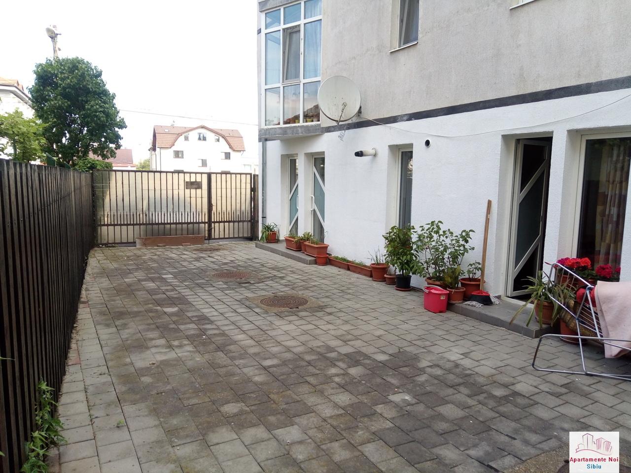 Apartament 3 camere cu curte de vanzare in Sibiu zona Luptei-166-6
