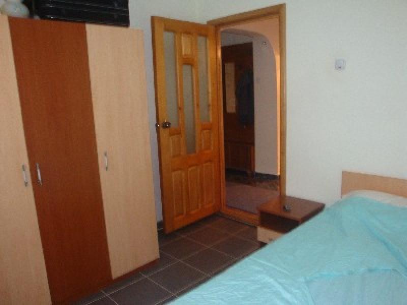 Apartament cu 3 camere de inchiriat-1560-0