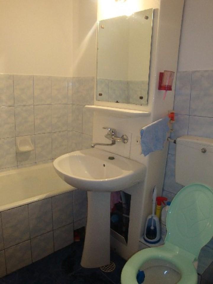 Apartament cu 3 camere de inchiriat-1560-2