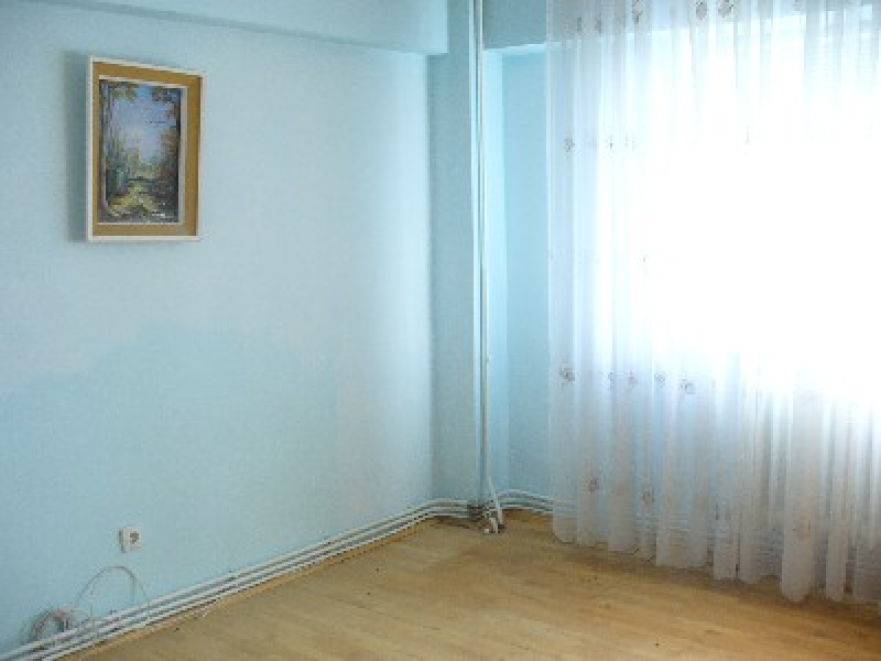 Apartament 4 camere, zona centrala-2050-1