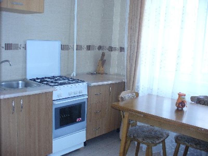 Apartament cu 4 camere de inchiriat-2137-0