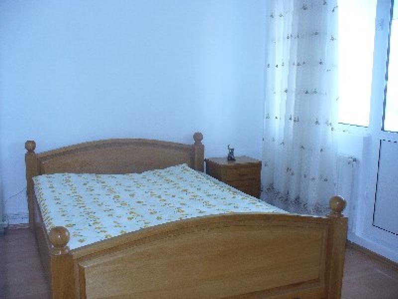 Apartament cu 4 camere de inchiriat-2137-1