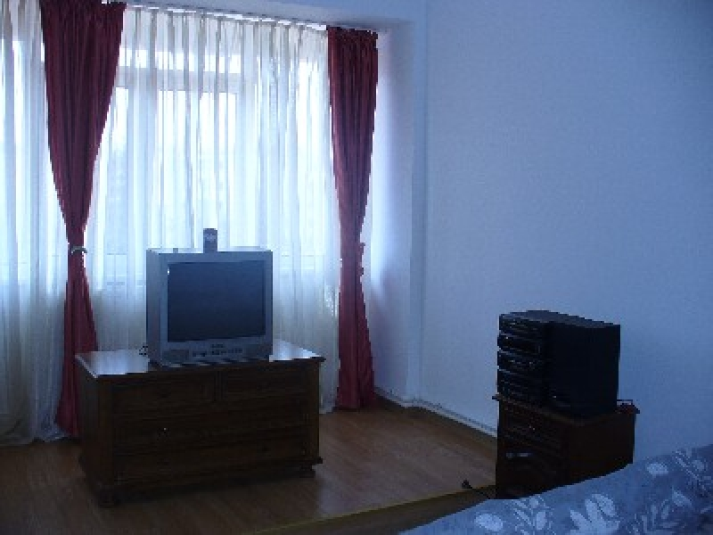 Apartament cu 4 camere de inchiriat-2137-3