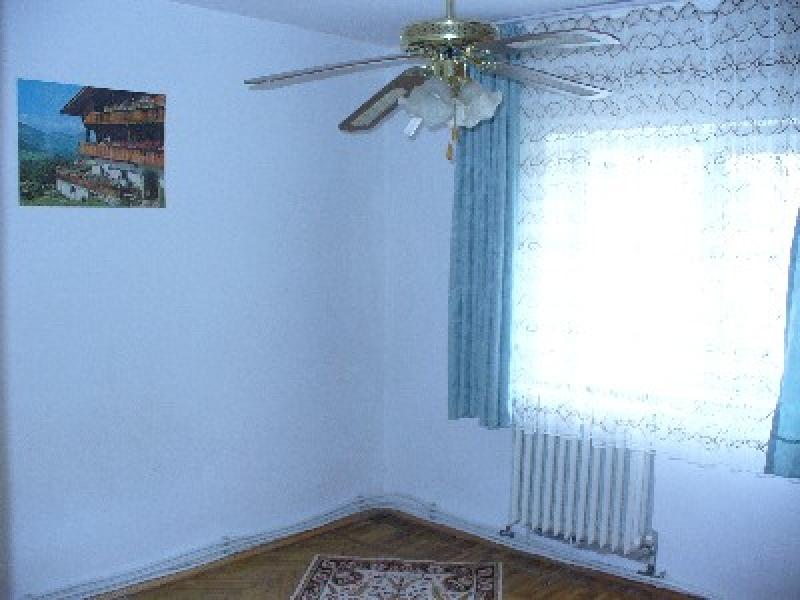 Apartament cu 4 camere de inchiriat-2332-2