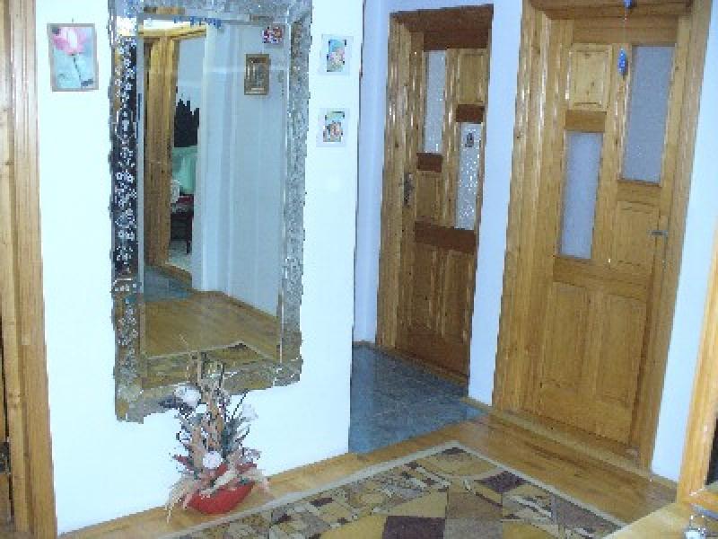 Apartament cu 4 camere de inchiriat-2332-4