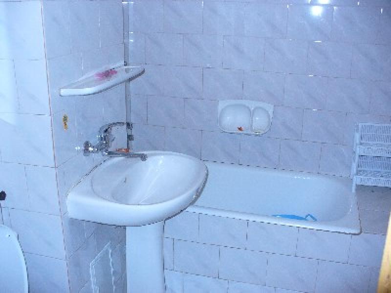 Apartament cu 4 camere de inchiriat-2332-5
