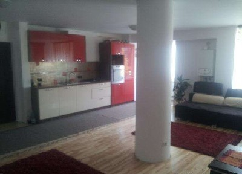 Apartament cu 4 camere de inchiriat-2367-1