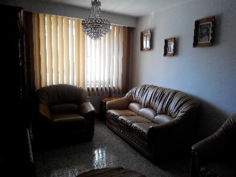 Apartament cu 3 camere de inchiriat-2490-0