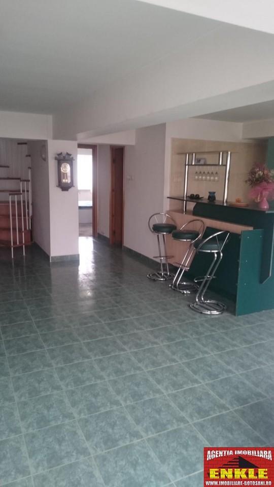 Apartament 4 camere, zona Marchian-2536-2