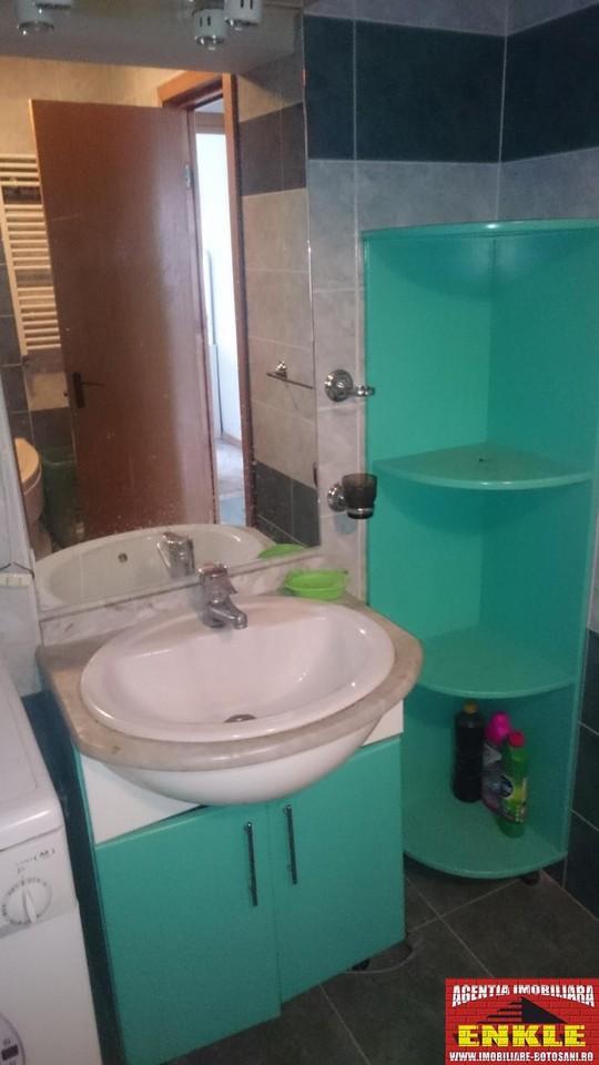 Apartament 4 camere, zona Marchian-2536-4