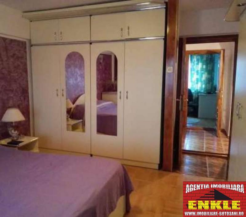 Apartament 3 camere, zona Capat 1-2559-1