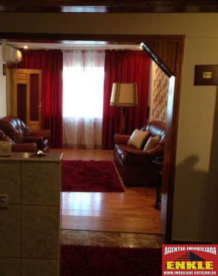 Apartament 3 camere, zona Capat 1-2559-2